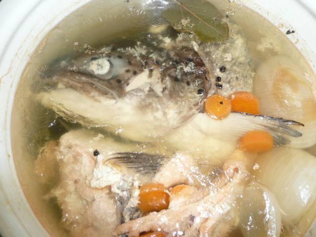 Как варить уху дома из речной рыбы