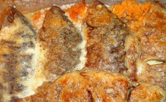 Карась в сметане: рецепты на сковороде, в духовке, как приготовить жареную рыбу