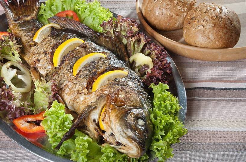 Сазан, запеченный в духовке кусочками - вкусные блюда