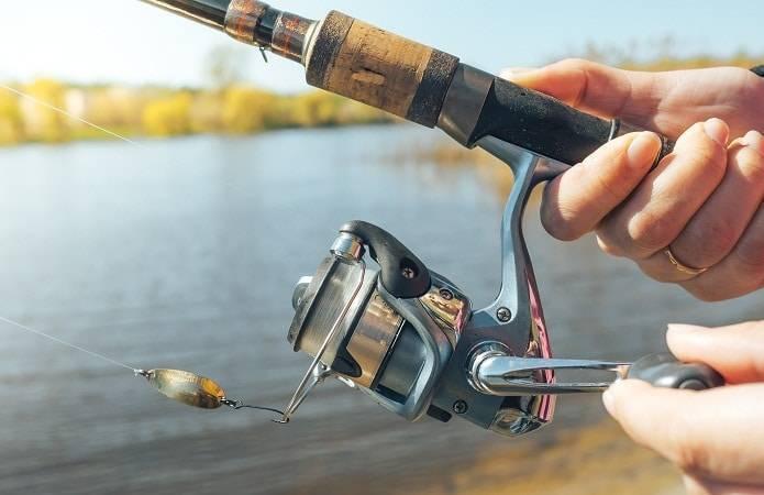 Ловля щуки и окуня в начале лета. рыбалка со спиннингом на малых реках