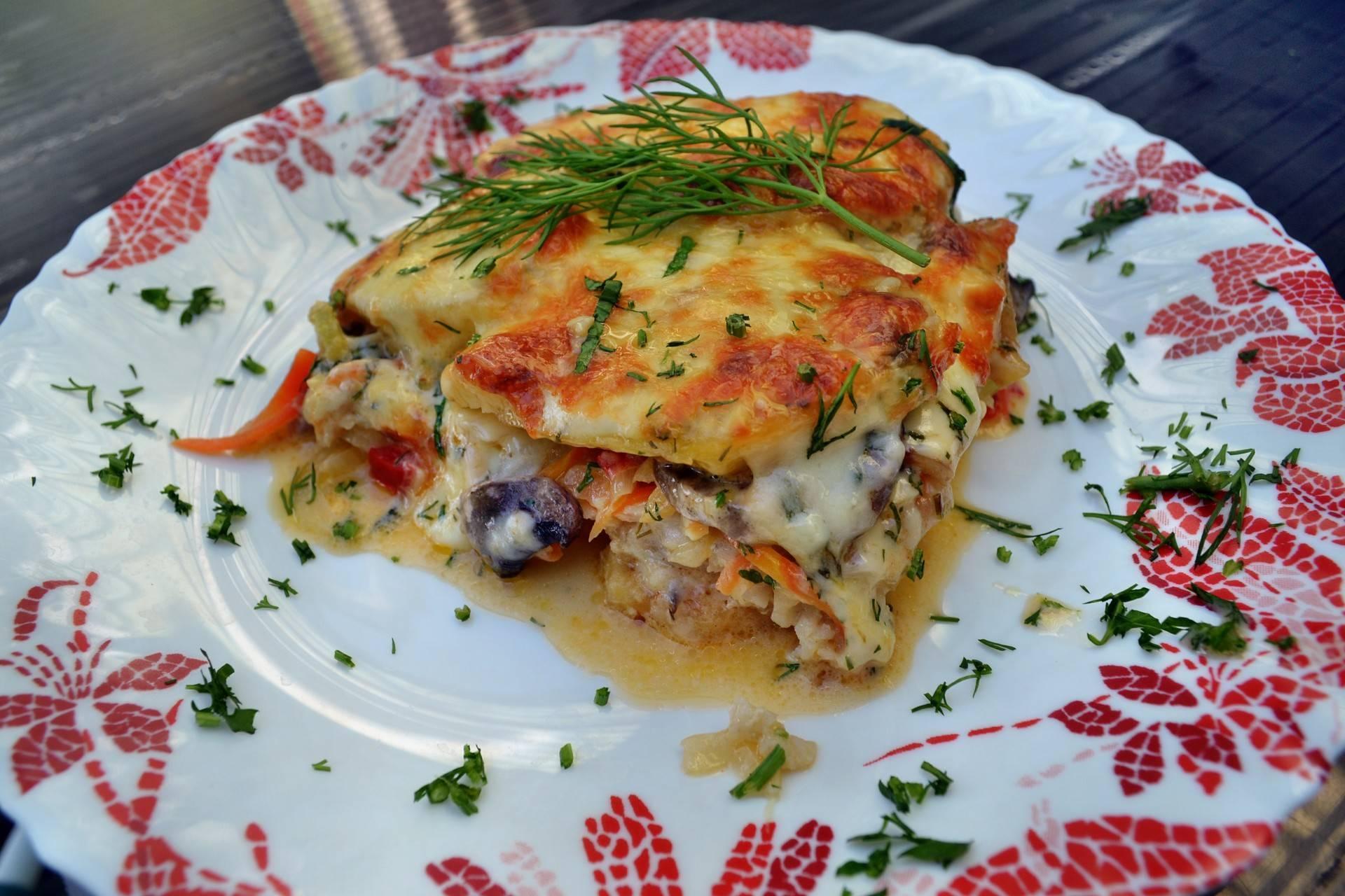 Картофельная запеканка с рыбой в духовке, 9 рецептов приготовления