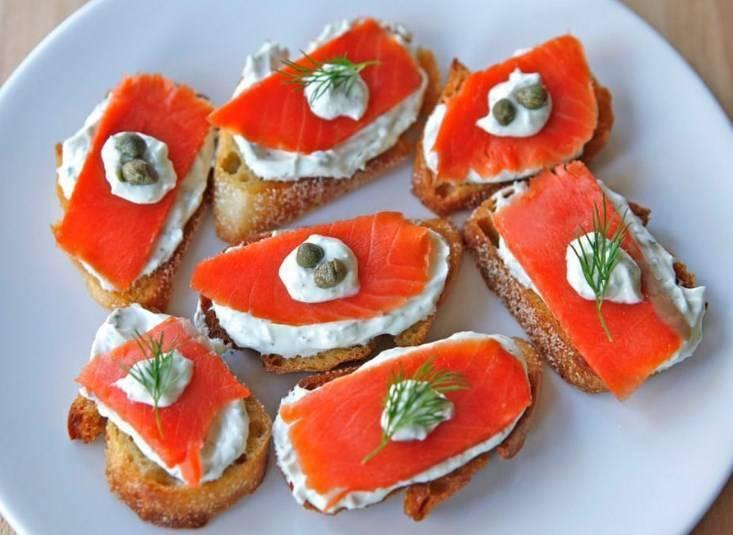Бутерброды с красной рыбой - варианты