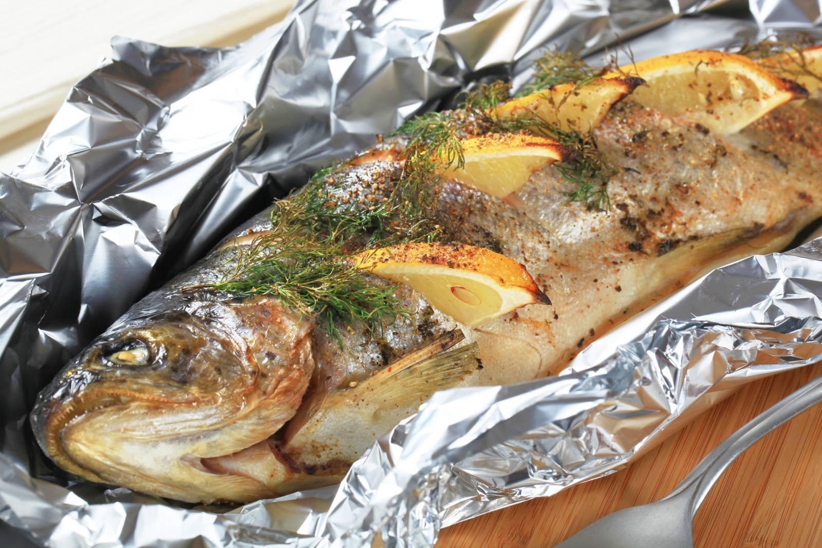 Рыба в пергаменте в духовке - 6 пошаговых фото в рецепте