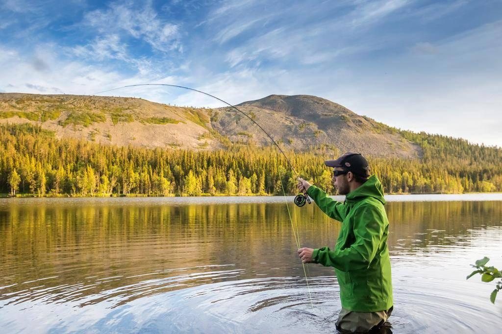 Плато путорана. рыбалка на озере глубоком