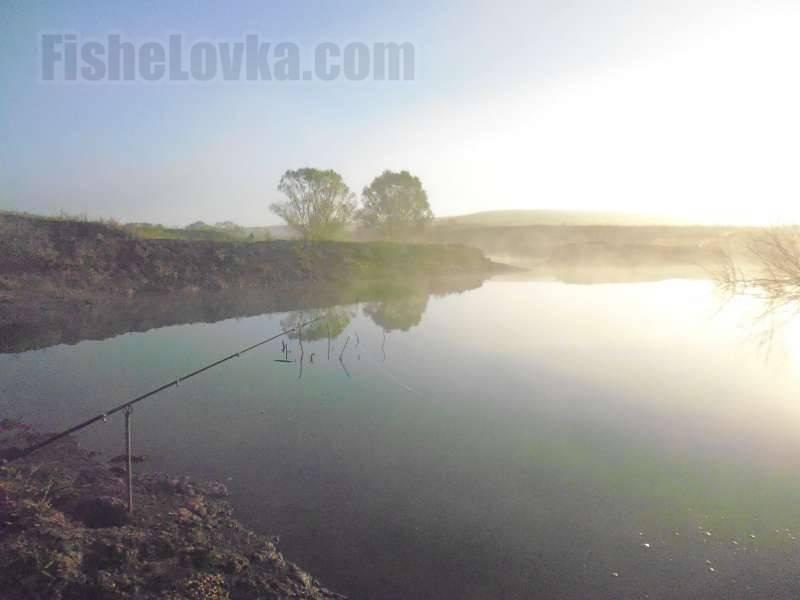 Ловля карася осенью: осенняя рыбалка в сентябре. клюет ли карась на поплавочную удочку? на какую прикормку его поймать? клев поздней осенью и в середине