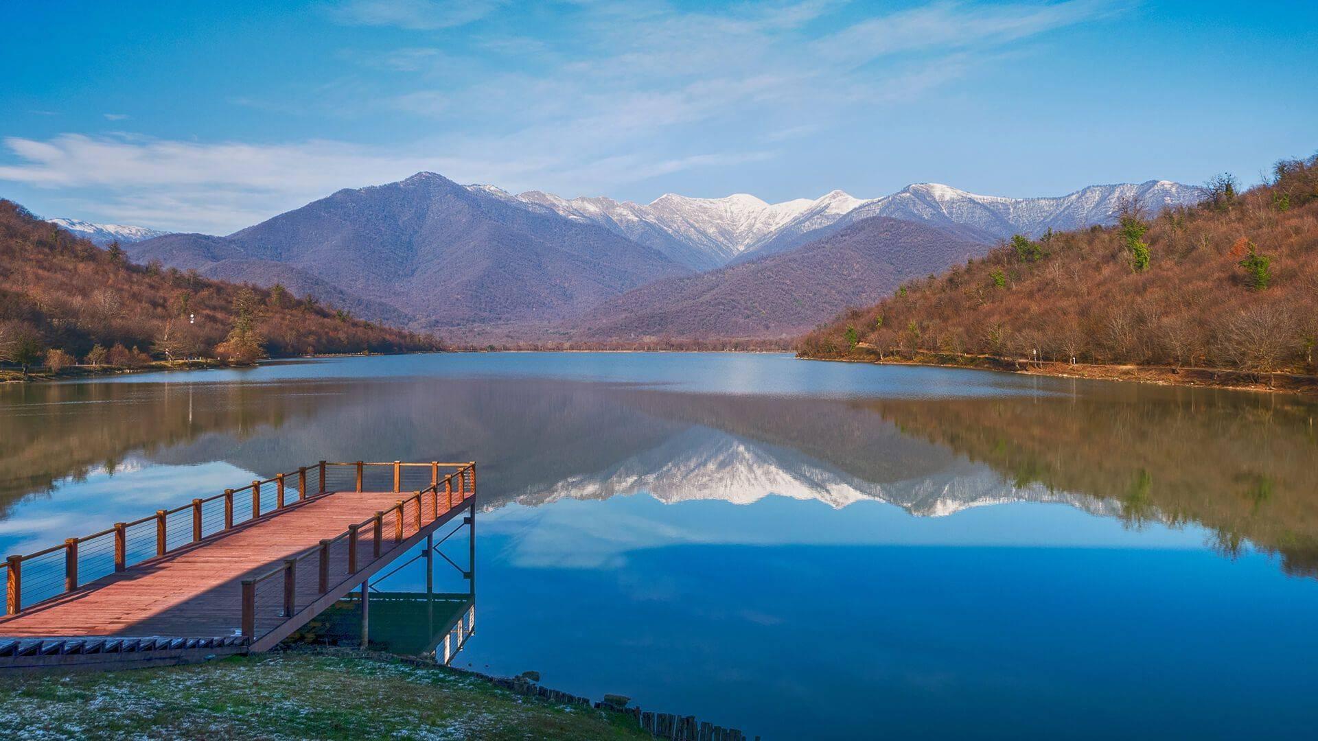 Озеро паравани – крупнейшее и красивейшее озеро грузии